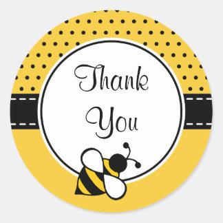 La abeja le agradece los pegatinas etiquetas redondas