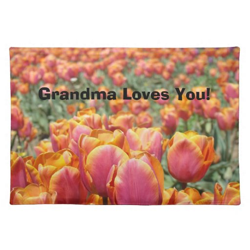 ¡La abuela le ama! flor del tulipán del Grandkid d Manteles