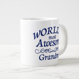 La abuela más impresionante del mundo taza grande