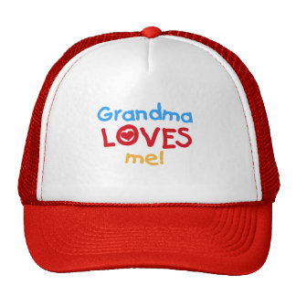 La abuela me ama las camisetas y los regalos gorros