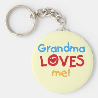 La abuela me ama las camisetas y los regalos llavero redondo tipo pin