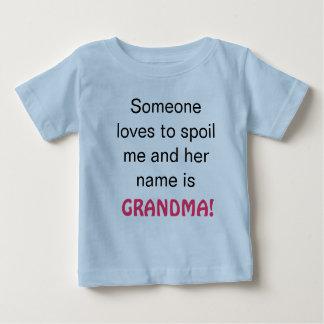 La abuela me estropea playera
