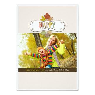 La acción de gracias colorida deja la tarjeta de comunicado personal