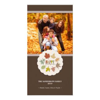 La acción de gracias colorida deja la tarjeta de tarjetas personales con fotos