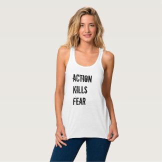 La acción mata a las camisetas sin mangas de las