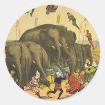 La acrobacia del elefante de la CAMISETA Etiquetas Redondas