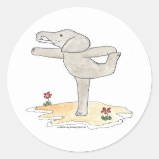 La actitud del bailarín practicante de la yoga del pegatina redonda