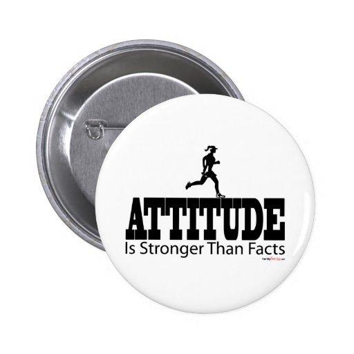 La actitud es fuerte que hechos pin