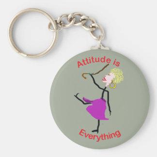 La actitud es todo - mujer mayor llavero redondo tipo pin