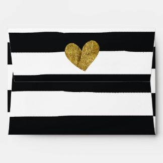 La acuarela blanco y negro raya el corazón del oro sobres