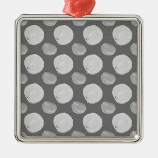 La acuarela gris puntea el modelo inconsútil adorno navideño cuadrado de metal