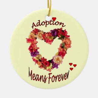 La adopción adorna para siempre adorno navideño redondo de cerámica
