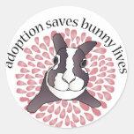 La adopción ahorra al pegatina redondo de las
