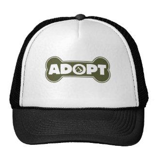 la adopción del gato y del perro adopta el hueso gorras de camionero