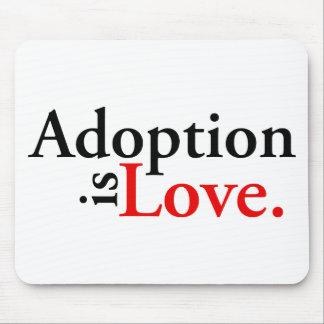 La adopción es amor mouse pad