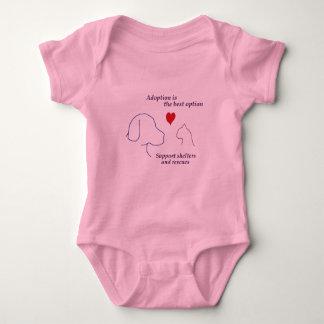 La adopción es la mejor opción tee shirt