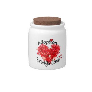 La adopción trae a amor el tarro rojo del caramelo jarras para caramelos