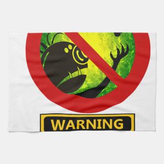 La advertencia divertida no alimenta la muestra de toallas de mano