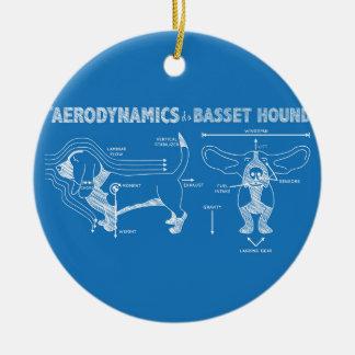 La aerodinámica de Basset Hound Adorno Navideño Redondo De Cerámica
