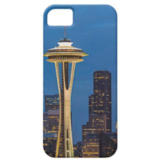 La aguja del espacio y la Seattle céntrica iPhone 5 Case-Mate Coberturas
