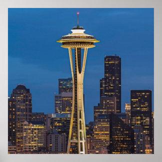 La aguja del espacio y la Seattle céntrica Póster