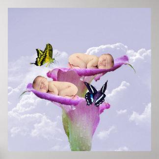 La alegría con el bebé hermana dos veces el poster