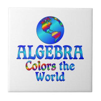 La álgebra colorea el mundo azulejo cuadrado pequeño