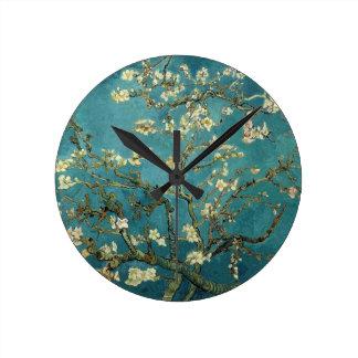 La almendra florece reloj de pared