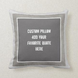 la almohada de encargo añade su propio gris y
