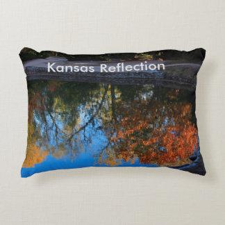 La ALMOHADA de la reflexión de la caída de Kansas Cojín Decorativo