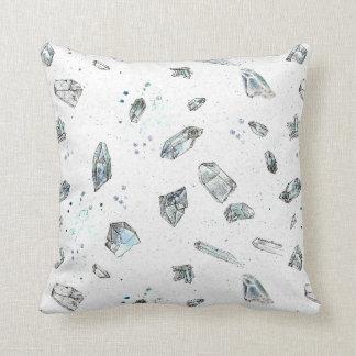 La almohada de los cristales de cuarzo oscila el