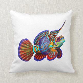 La almohada de los pescados del mandarín del acuar