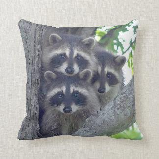 La almohada de tiro de tres amigos cojín decorativo