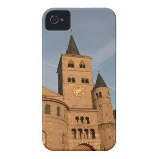 La alta catedral de San Pedro, Trier iPhone 4 Case-Mate Cobertura