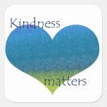 La amabilidad importa corazón pegatinas cuadradases