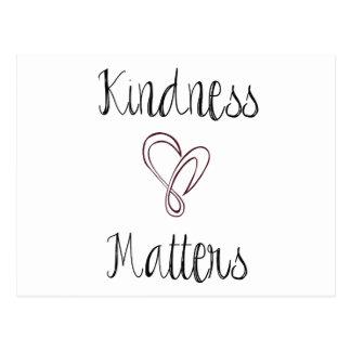 La amabilidad importa corazón postal
