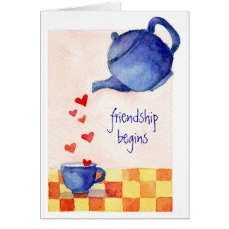 La amistad comienza - la tarjeta de felicitación