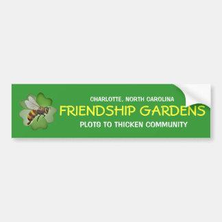 La amistad cultiva un huerto pegatina para el para pegatina de parachoque