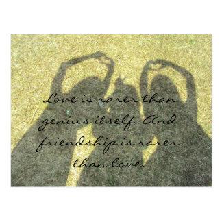 La amistad es rara que la postal del amor