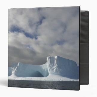 "La Antártida, estrecho de Bransfield, sol de la ta Carpeta 1 1/2"""