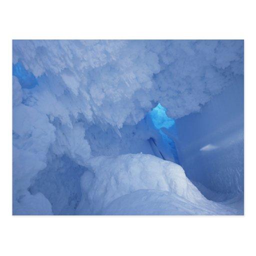 La Antártida, isla de Ross, cabo Evans, cueva de l Postales