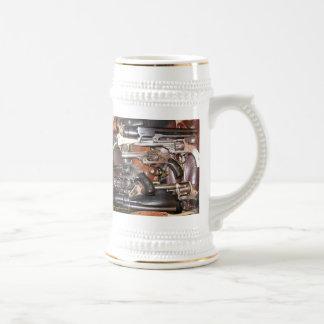 La antigüedad dispara contra la taza de cerveza