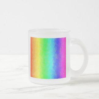 La antigüedad mancha el arco iris taza de café