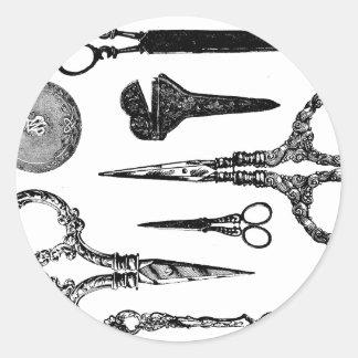 La antigüedad Scissors la ilustración Pegatina Redonda