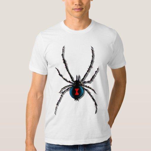 La araña de la viuda negra sombreó la camiseta remera