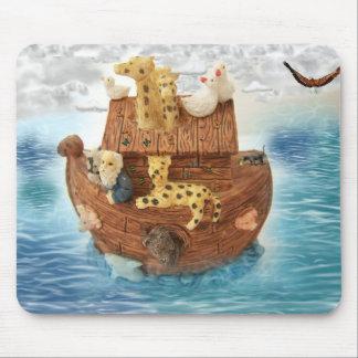 La arca de Noah Tapete De Ratón