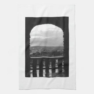 La arcada pasa por alto toallas