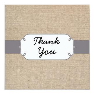 La arpillera gris y beige rústica le agradece invitacion personalizada