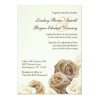 """La arpillera rústica florece los rosas que casan invitación 5"""" x 7"""""""