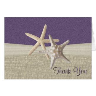 La arpillera y las estrellas de mar de la playa le tarjeta pequeña